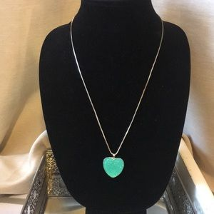 Jewelry - silver tone necklace with glitter pendent